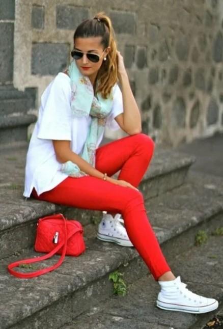 красный кроссовки