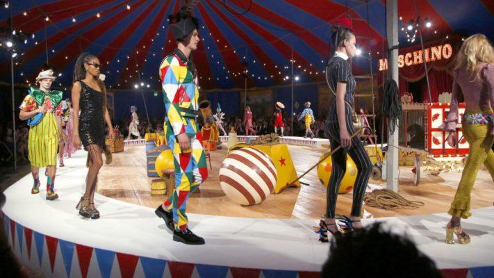 Все детские страхи на показе моды (Moschino Resort 2020)