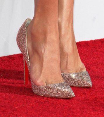 7 звёзд, которые выбрали явно неудобную обувь