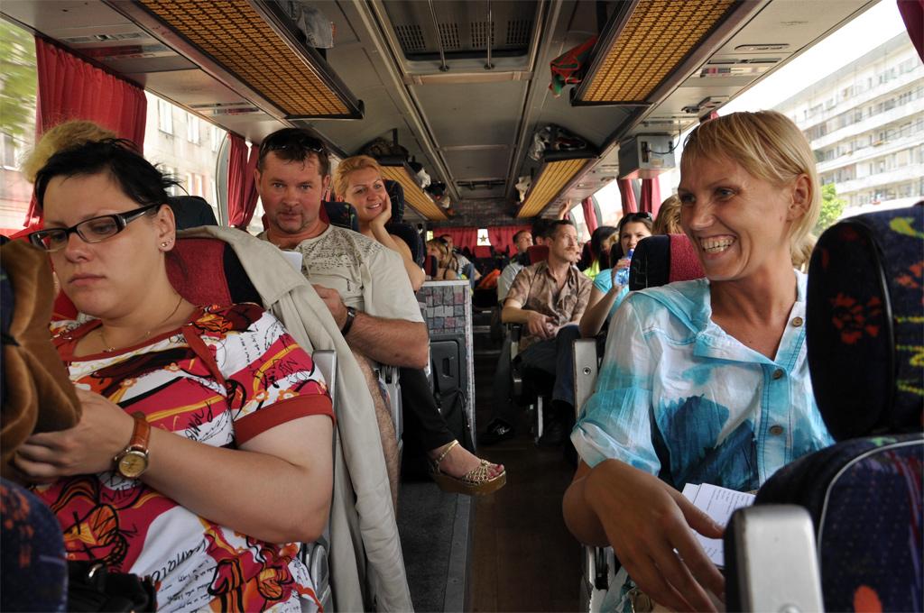 в автобус