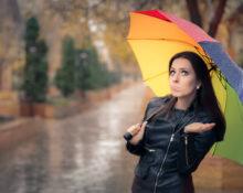 Попали в кожаной куртке под дождь: как сохранить куртку