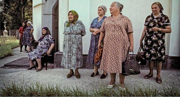 Почему наши женщины ходят дома в халатах