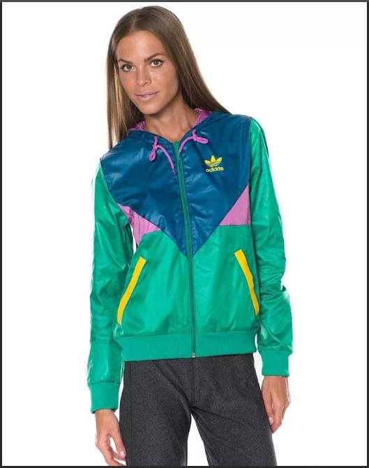 сине-зеленый в спортивной одежде