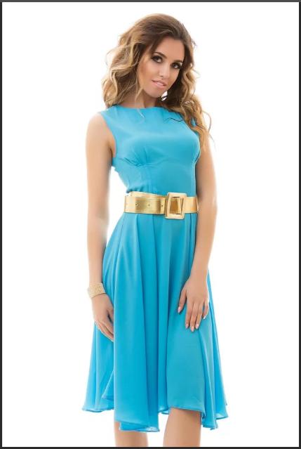 голубое вечернее платье с золотым поясом