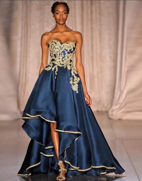 вечернее синее платье с золотой вышивкой