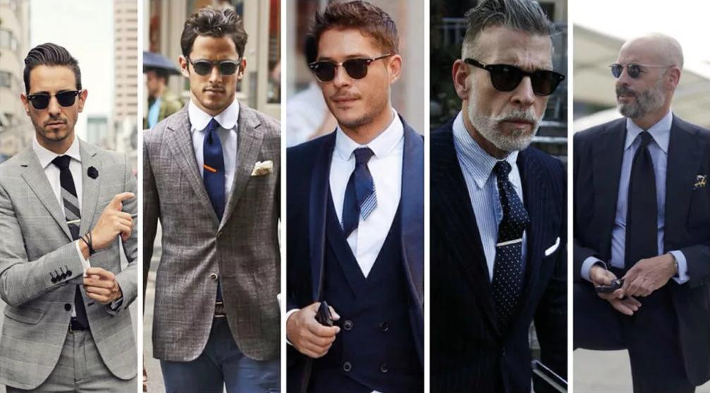 мужчины в офисных костюмах