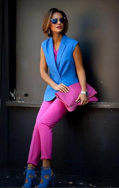 ярко синий и розовый в одежде