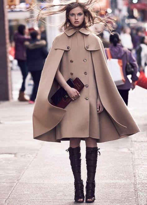 Кейп — модная накидка, которая необходима, если похолодало
