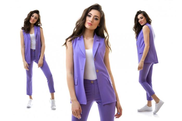 лиловый костюм
