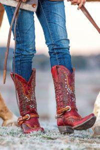 Ковбойские сапоги: с чем носить модную обувь осенью-2019