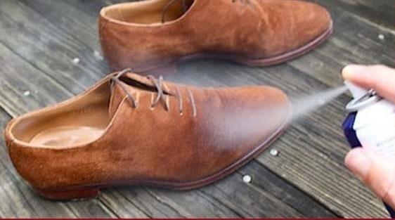 обувь под действием пропитки-спрея