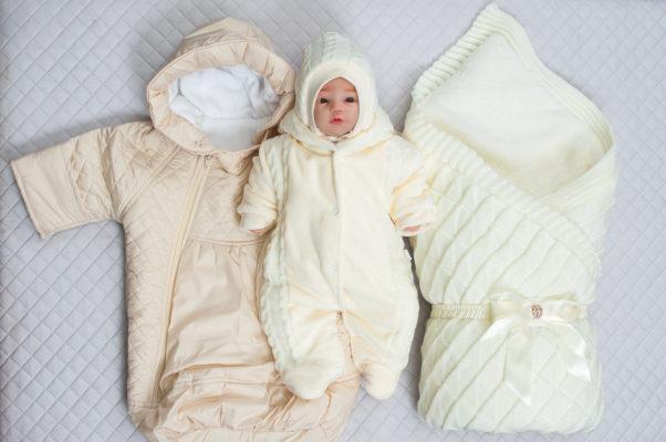 Во что одеть новорожденного на выписку зимой