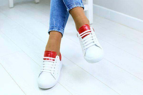 Как спрятать шнурки в кроссовки