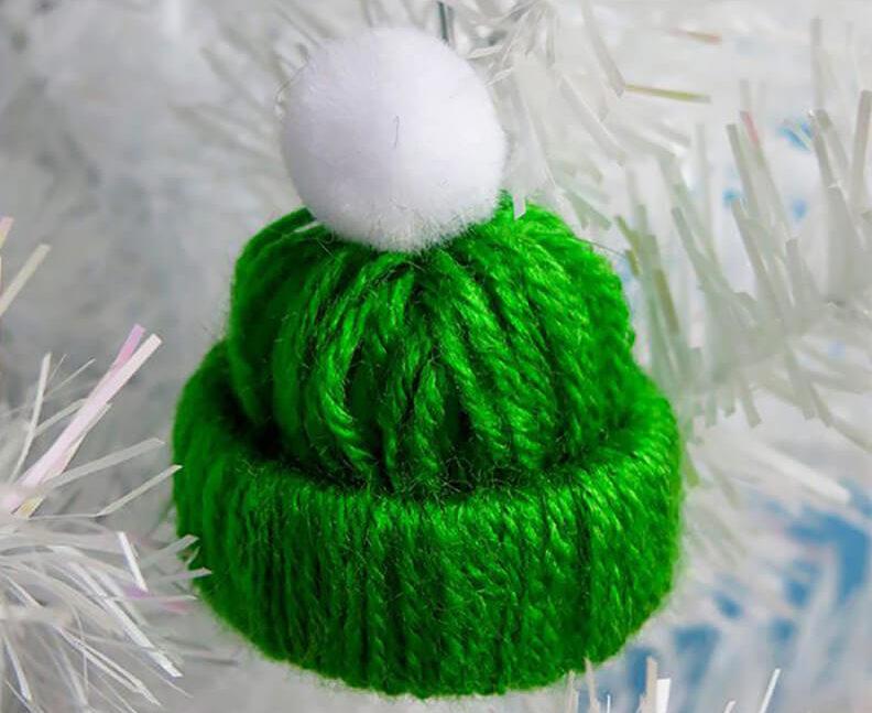 елочная игрушка мини шапочка