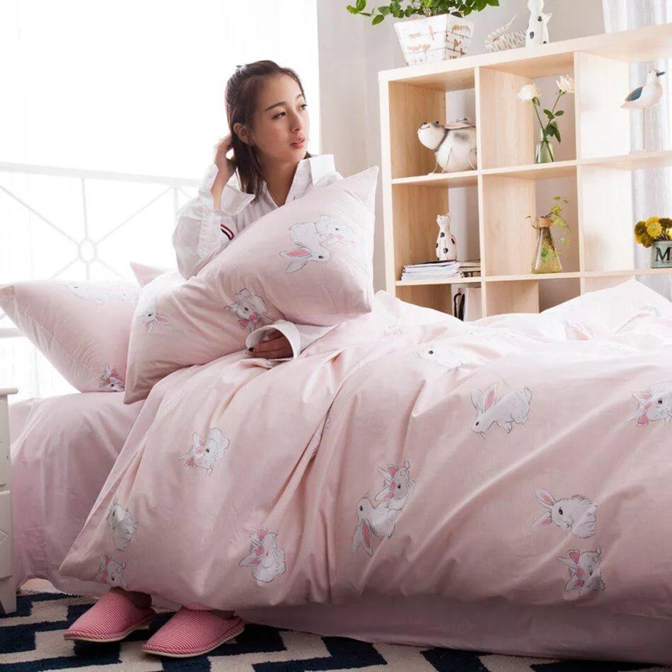 Почему одеяло в пододеяльнике согревает лучше, чем без него