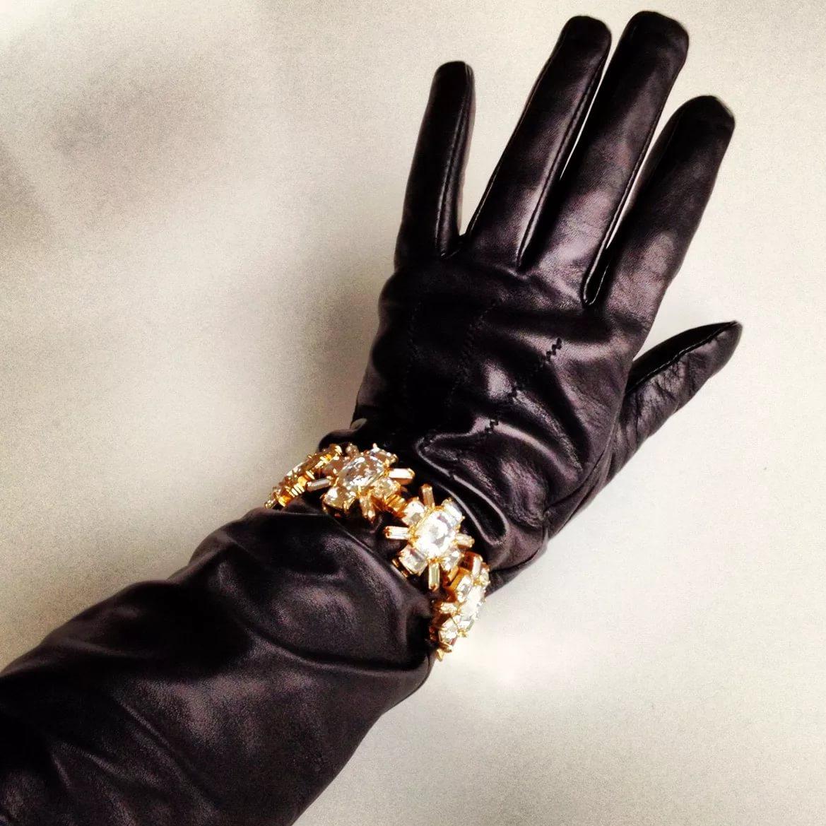 браслет на перчатку
