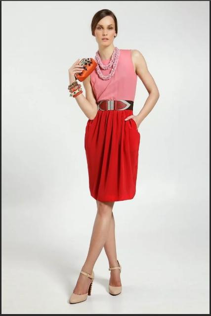 красно-розовая одежда для торжества