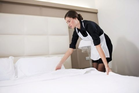 заправка одеяла в гостинице