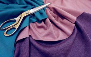 ножницы на ткани