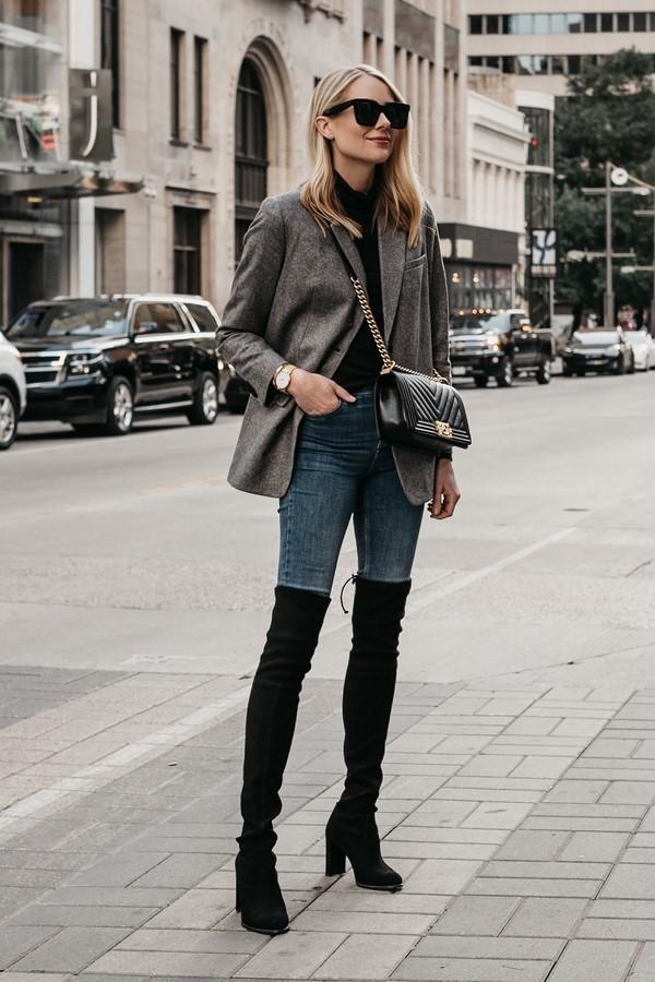 Ботфорты с джинсами.