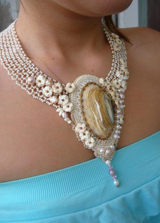 Ожерелье с ракушкой.