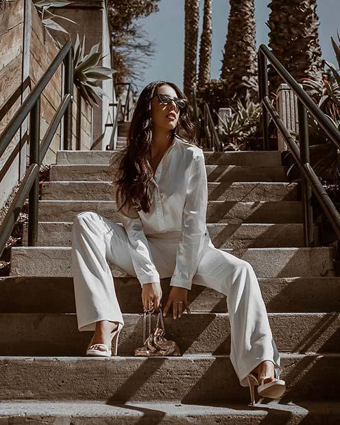 Белый образ с брюками.