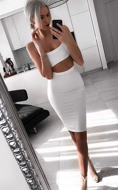Белый тотал лук с юбкой.