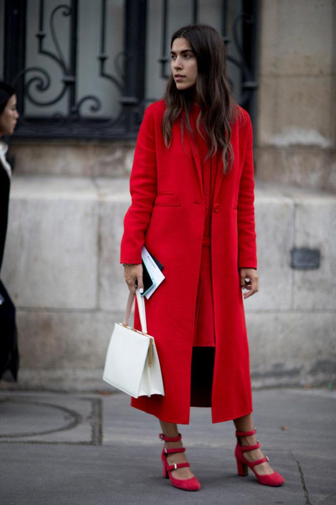 Платье с пальто красные.