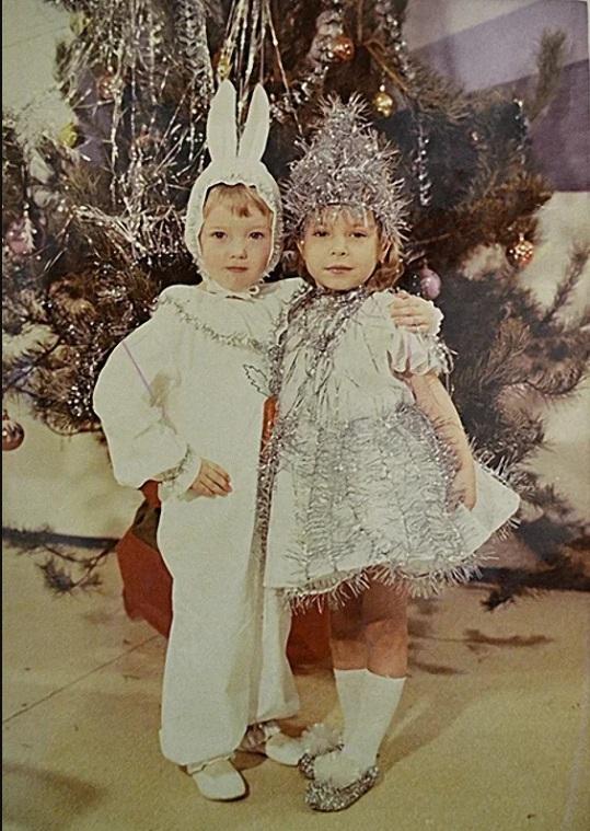 СССР костюмы зайца и снежинки