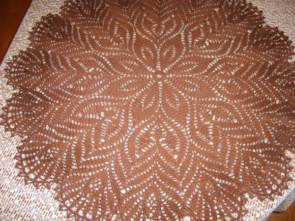 Большая салфетка с цветочным узором