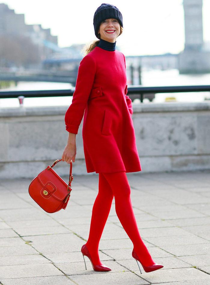 Красный с чёрным.