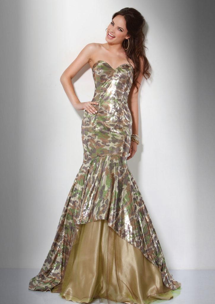 Вечернее камуфлированное платье.