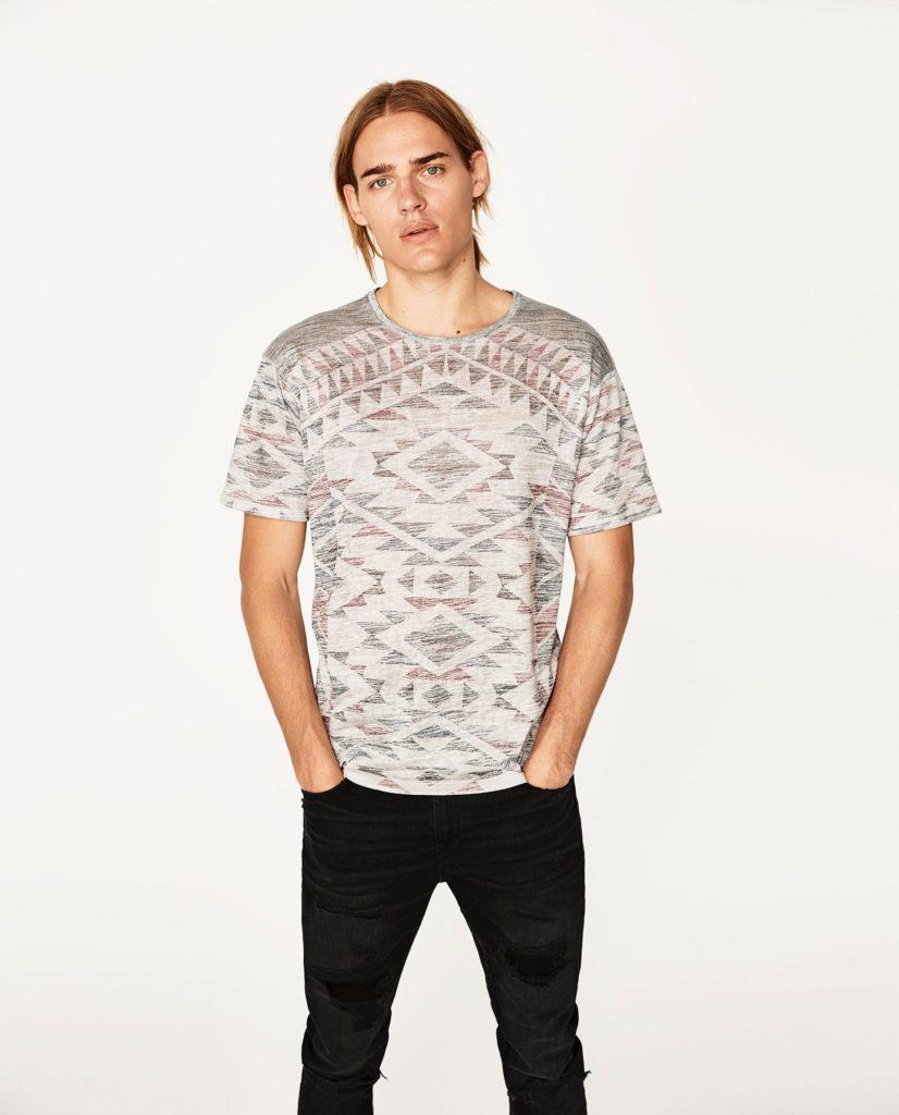 Этно-футболка.