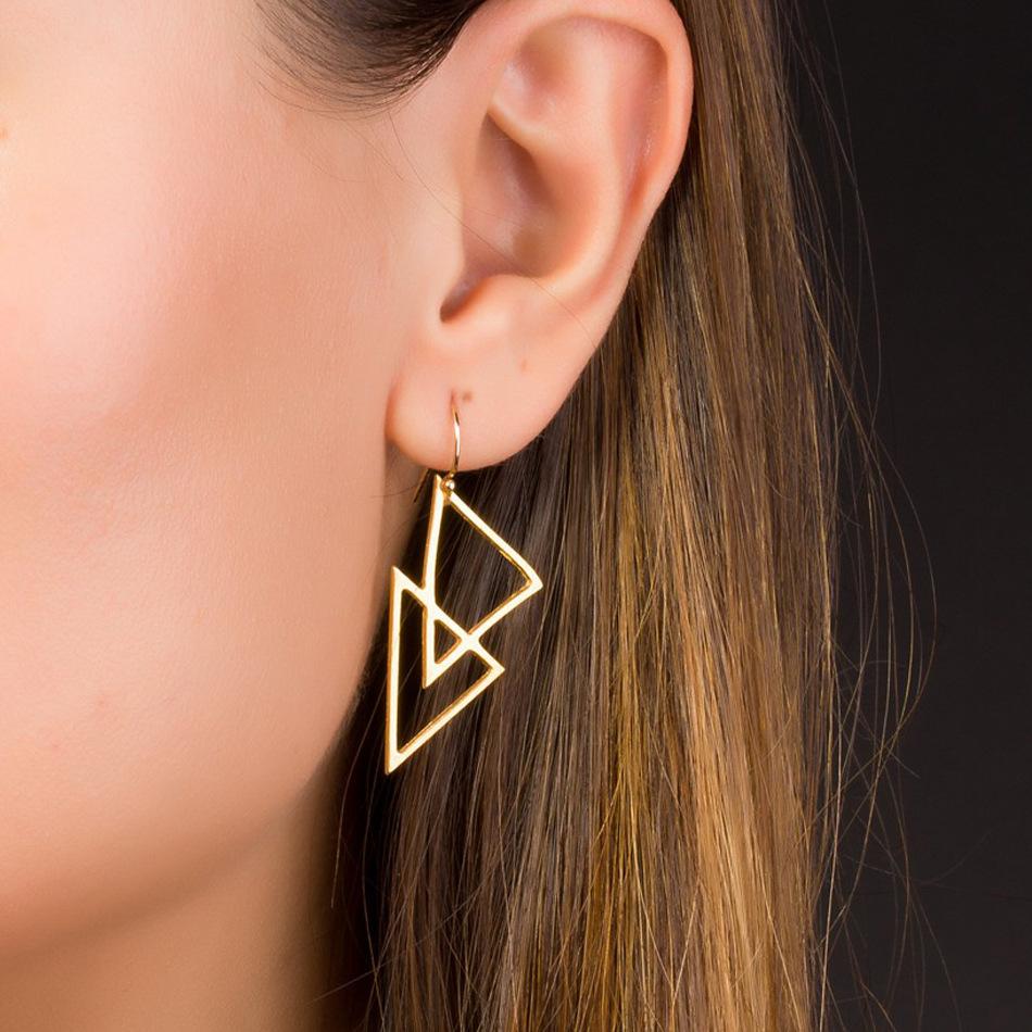 Серьги треугольники.