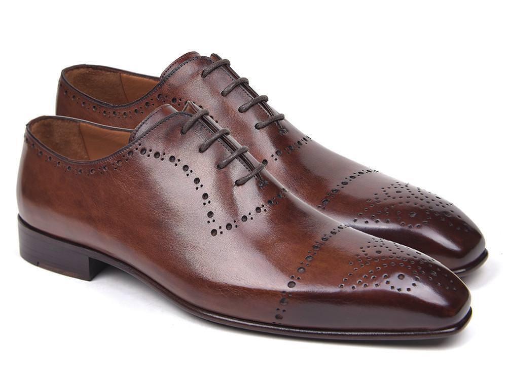 Классические коричневые туфли.