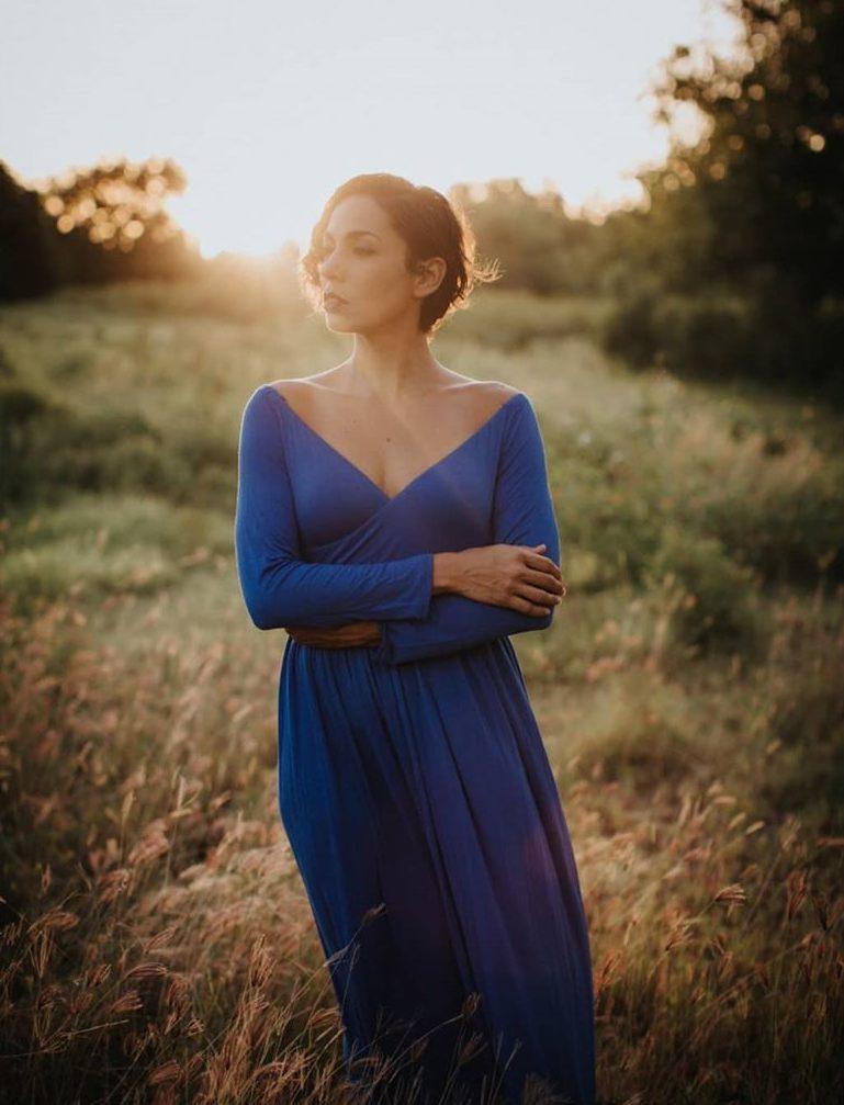 Синее платье летнее.