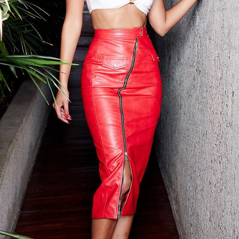 Красная юбка.