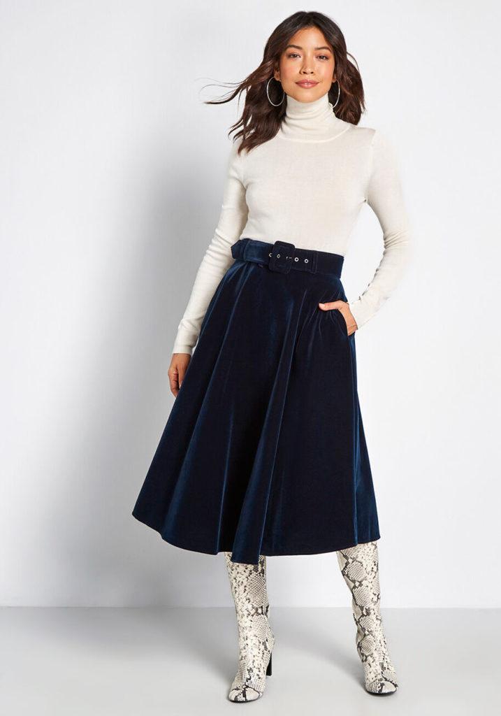 Тёмно-бирюзовая бархатная юбка.