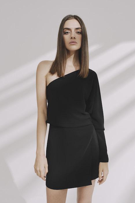 Асимметричное мини платье.