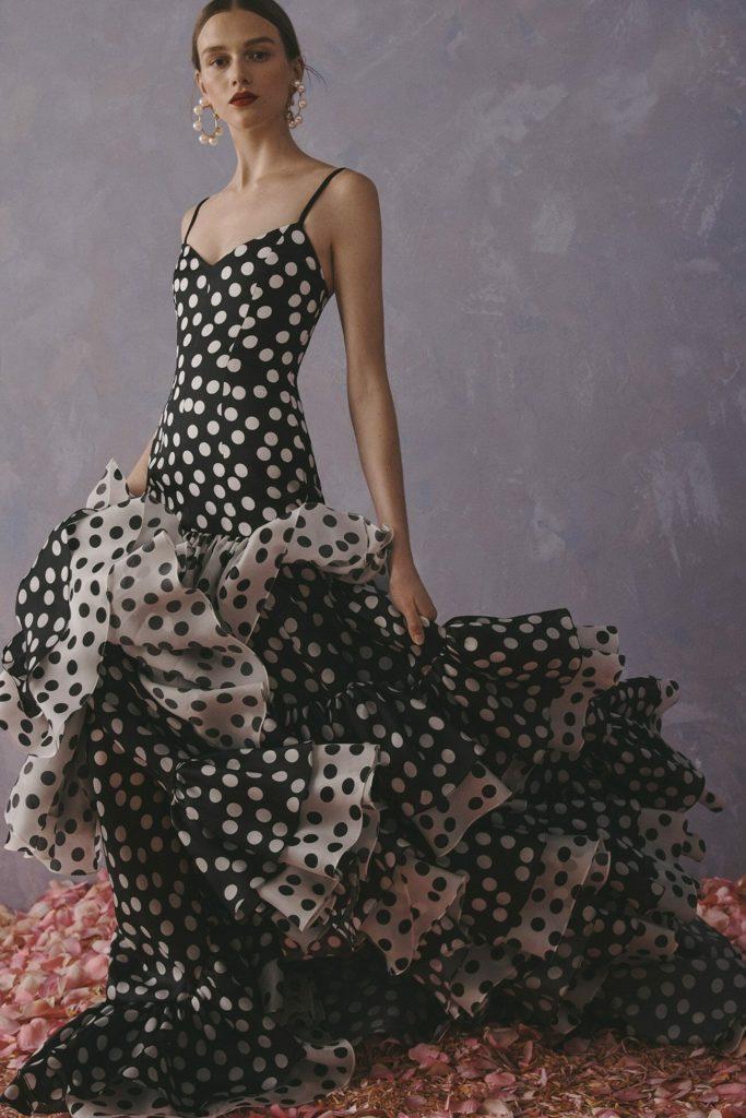 Черно-белое вечернее платье.