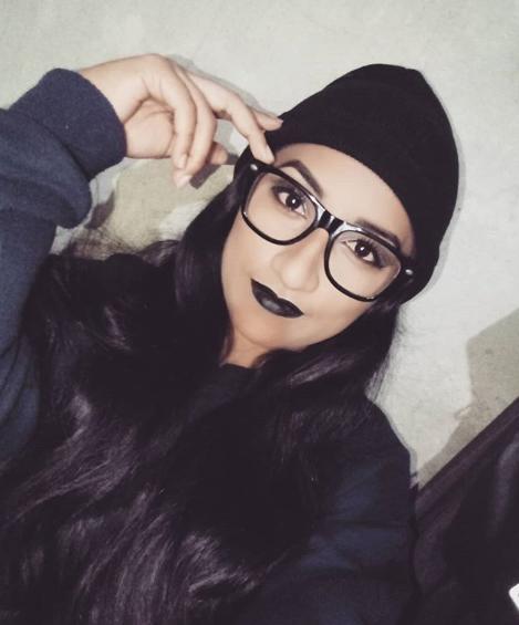 тинейджер в очках