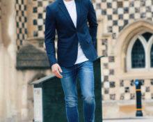 Блейзер с джинсами.