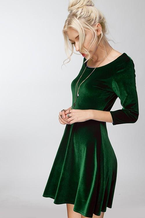 Зелёное платье.