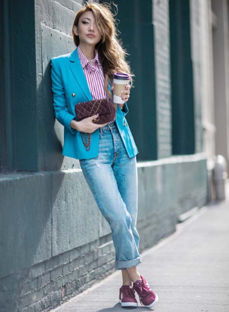 девушка в пиджаке