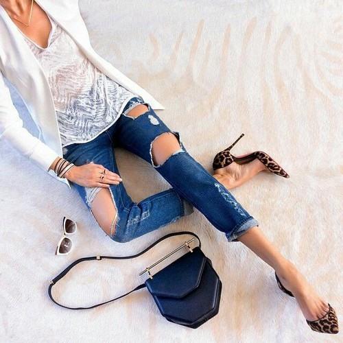 джинсы с жакетом для вечернего выхода