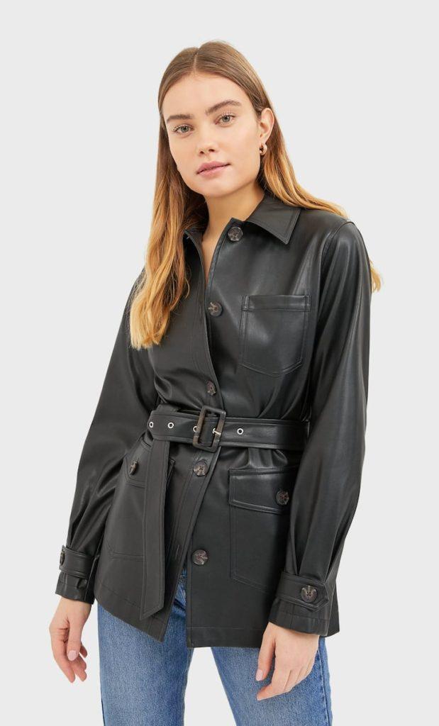 Кожаная куртка с поясом.