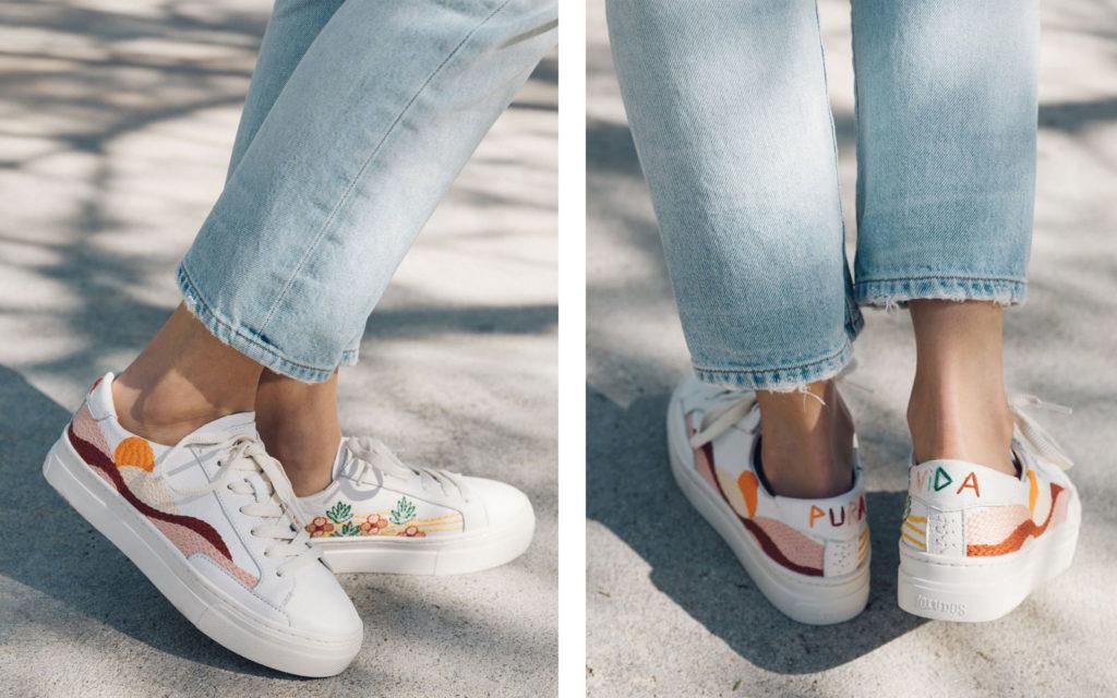 Кроссовки с вышивкой.