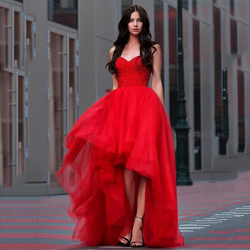 Красное платье на выпускной.