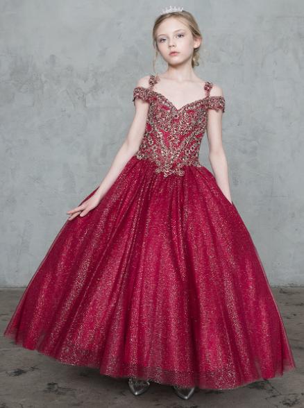 вишневое платье