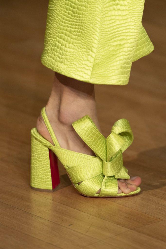 Обувь с бантом. @harpersbazaar.com